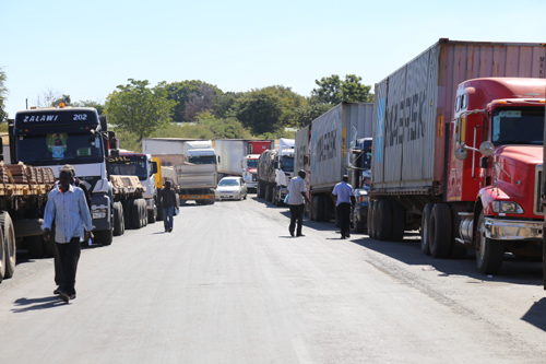 Many stranded as SA shuts land borders