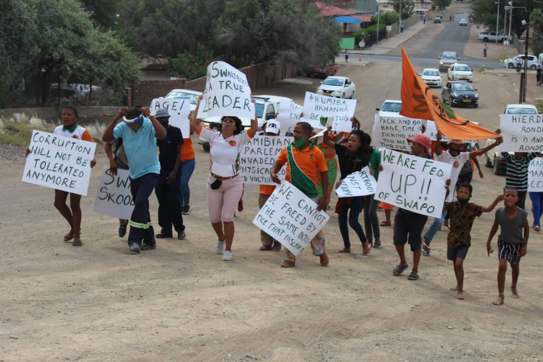 LPM supporters demonstrate in solidarity with leaders
