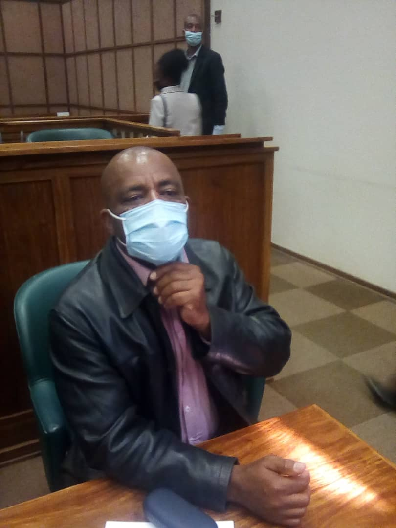 Lawyers dump murder accused